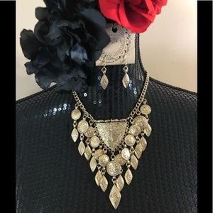 Jewelry - NWT Statement necklace and earrings❗️final price❗️